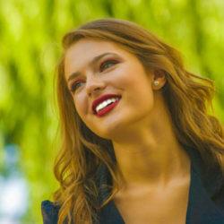 Estetik Diş Lamine Tedavileri